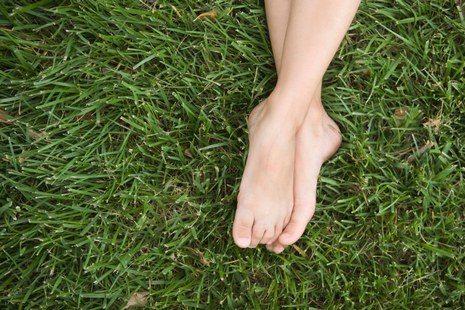 5-remedes-populaires-simples-pour-les-pieds-transpirants-pieds.jpg.jpg