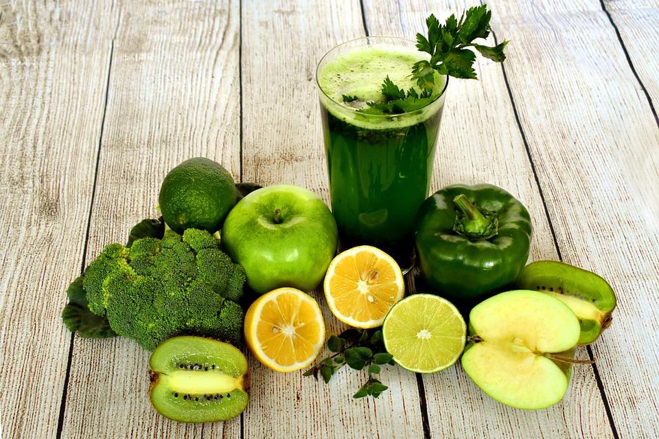 huit-aliments-qui-peuvent-reduire-lacide-urique-dans-le-corps-l-1.jpg.jpg